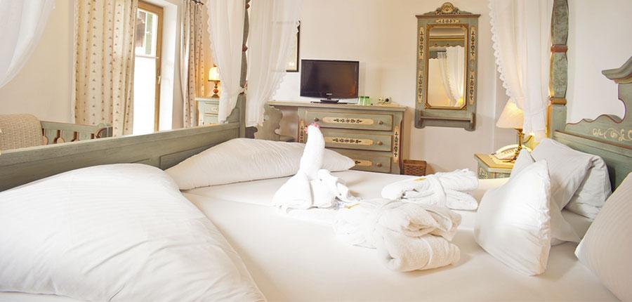 Hotel Hochfilzer, Ellmau, Austria - Bedroom interior.jpg